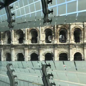 vue sur les arènes de Nîmes depuis l'intérieur du musée