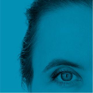 détail d'un oeil de femme - fragment bleu de la mosaïque