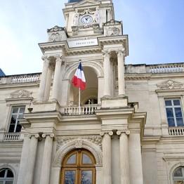la préfecture de Nîmes