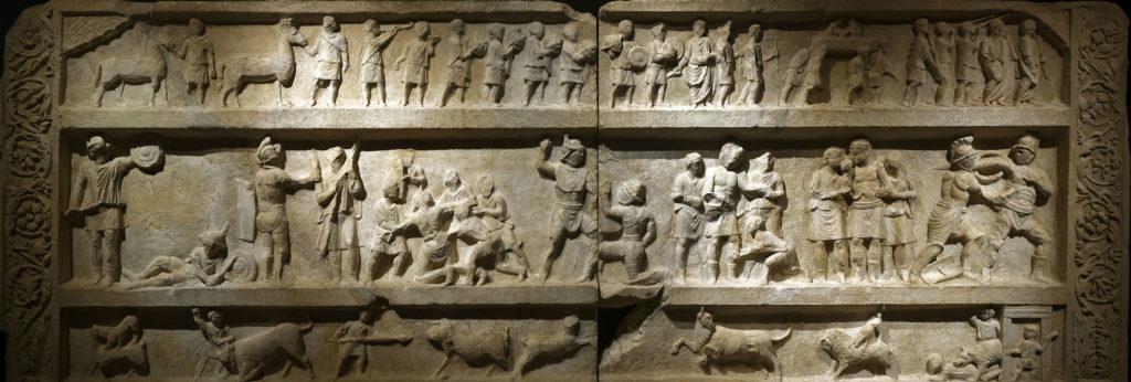 bas relief sur le thème des gladiateurs