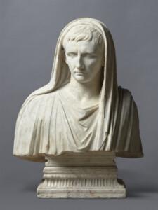 Fragment d'une statue : portrait d'Auguste en pontife